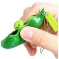 Висулкa с бобче - Антистрес играчка